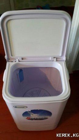 Продаю б/у стиральную машинку Sparrow-2015 на  4,2 кг